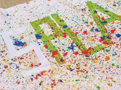 Step by step DIY splatter paint tutorial from playpartyplan.com