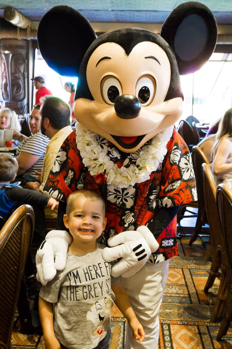 The best tips for character dining at Disney World with toddlers, preschoolers, or young kids. Everything you need to know about character meals at Disney World including restaurants at Epcot, Magic Kingdom, and Hollywood Studios. Tips on picking the right chairs, enjoying with large families, and even picking the right meals (like the magical hour between breakfast and lunch!).