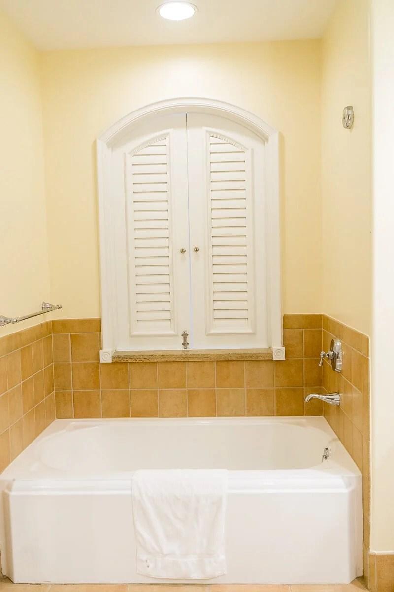 Beautiful soaker tub at Loews Portofino Bay Hotel
