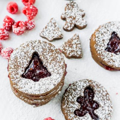 An Easy Raspberry Chocolate Linzer Cookies Recipe