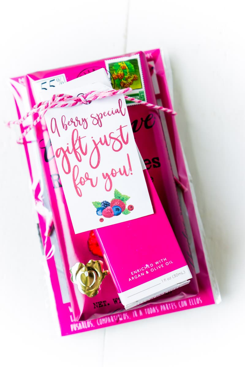 Cute gift ideas for women with berry printables