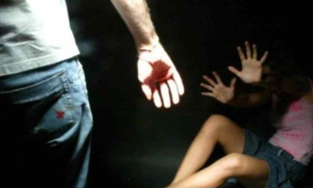 Stordiscono e violentano ragazzine, tre arresti a Milano: avevano diffuso i video delle violenze