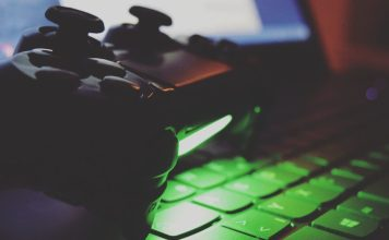 PlayStation 4 tastiera