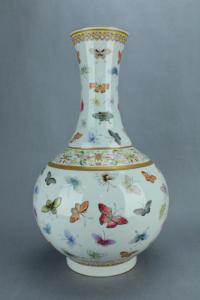 Copy Qing Butterfly vase