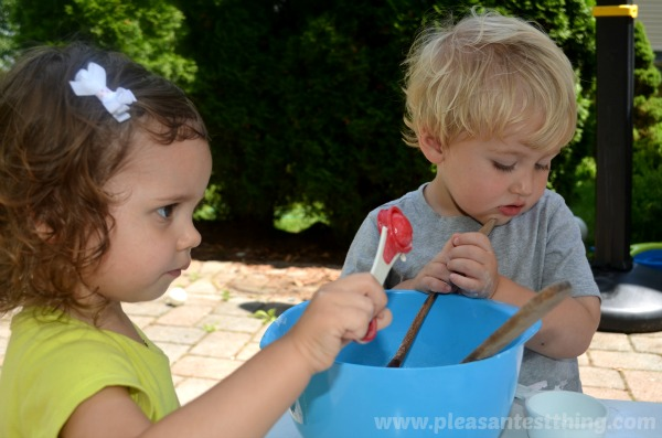 Keep young kids happily engaged by hosting a playdough playdate