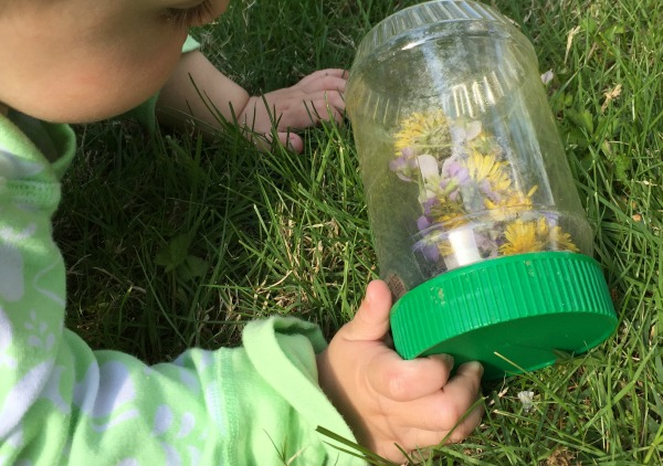 Sensory bottles - an easy baby activity!