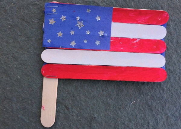 Simple 4th of July flag craft for kids!