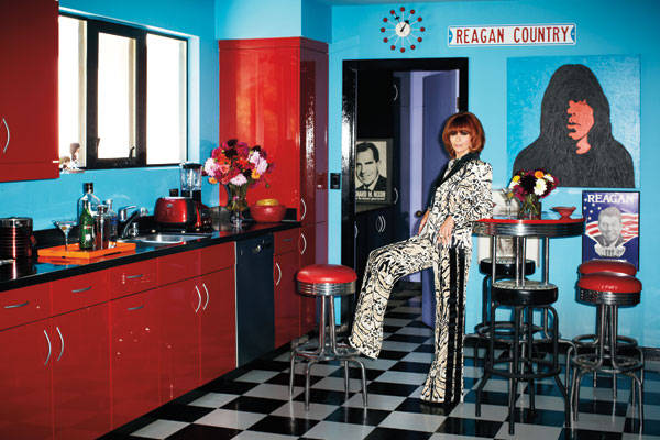 Linda Ramone in Los Angeles home