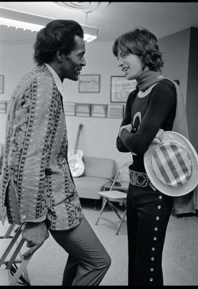 chuck-berry-mick-jagger-altamont-1969