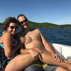 LJle1rc0kcDpMi2GPkKR4CUmayPvXsT6HeEJW jqwmQ My friend posted a new profile pic with her boyfriend, and everyone took a double take...