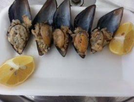 Turkish Stuffed Mussels