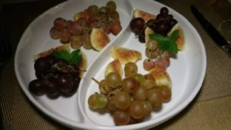 figs and grapes