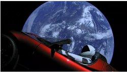 Starman Tesla vor der Erde
