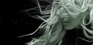 Mulher cabelo loiro