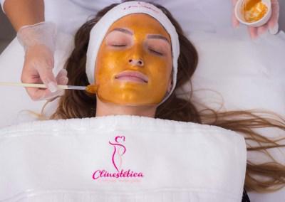 Estética - Hidratação com máscara de ouro