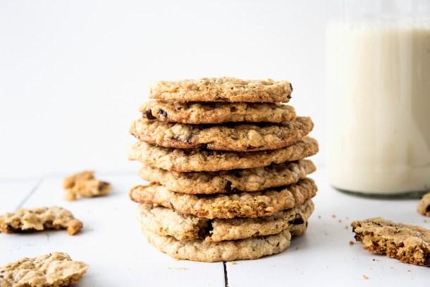 easy vegan gluten free nut free refined sugar free chocolate chip cookie