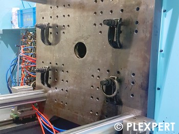 Mounting clutch in Plastic Industry