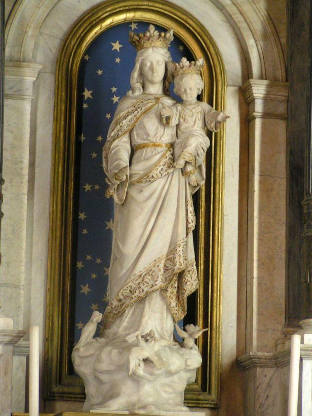 Imagem de Nossa Senhora Auxiliadora (igreja do Sagrado Coração de Jesus, na capital paulista)