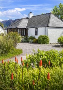 Reraig cottage front & gable