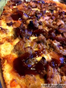 Macaroni and cheese met pulled pork