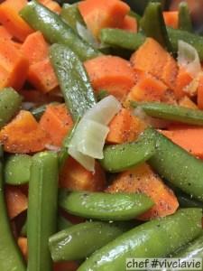 Gestoofde worteltjes met sugar snaps
