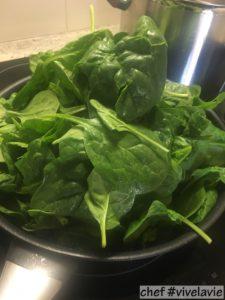 Met spinazie gevulde pastarolletjes