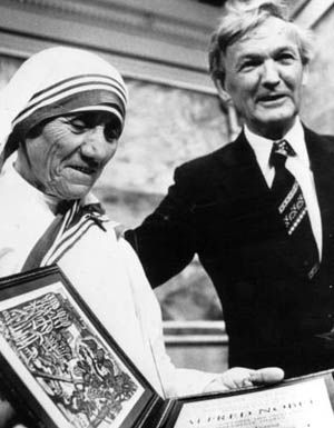 mother-teresa-nobel-peace-prize-winners-i2
