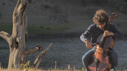 Raúl Vázquez Cello. Plumilla Berciano