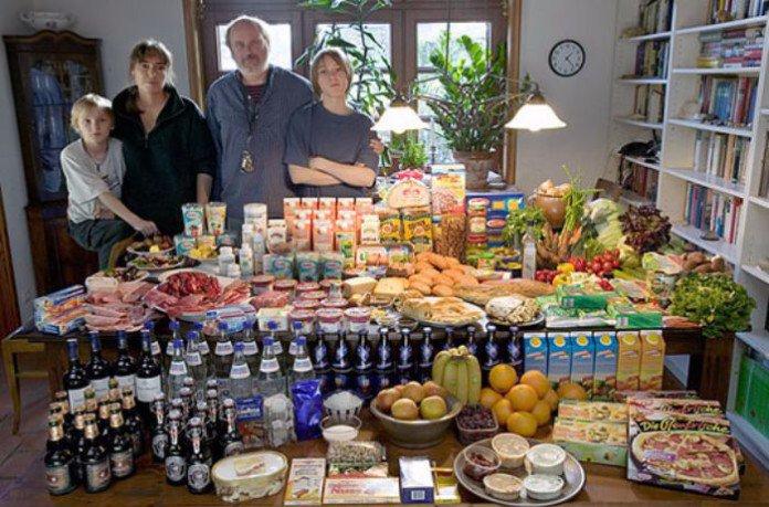 peter-menzel-nourriture-pour-une-semaine-familles-monde-1-1-1-696x459