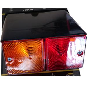 822110R – AutoProm Φανάρι με βάση Ford τρακτέρ οπίσθιο δεξί