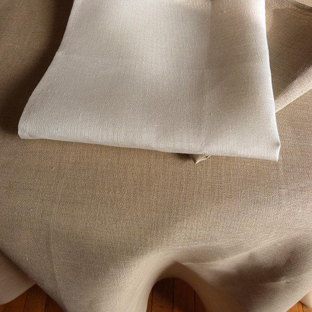 nappe en lin grande largeur coloris taupe naturel
