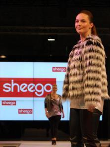 Flauschiger Jackentrend HW 2015 - Plus-Size-Kollektion Sheego - Bild: PlusPerfekt.de