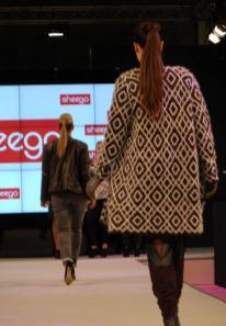 Stylischer Sheego-Mantel in XXL - Bild: PlusPerfekt.de