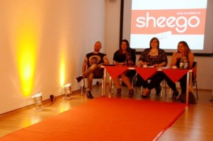 v. l. n. r. Choreograph Marc Rohde, Plus Size Model Samela, Tanja Marfo, Veranstalterin der Plus Size Fashion Days, Modedesignerin Anna Scholz I PlusPerfekt.de