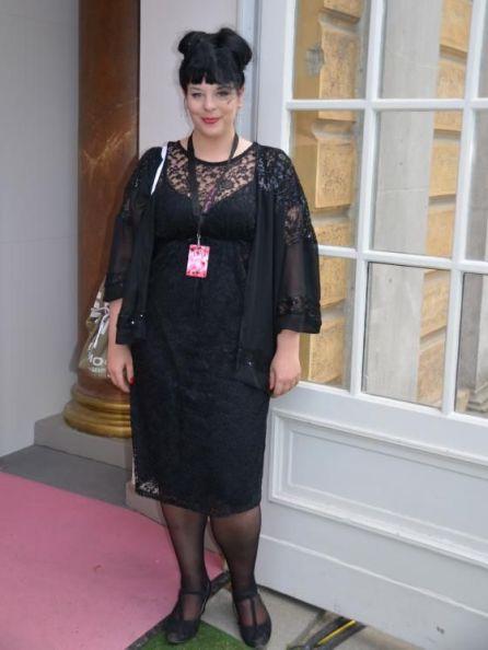 Chices Outfit: Ina Holub aus Wien I Stylistin, u. a. auch für Plus Size / Vintage Styles I PlusPerfekt.de