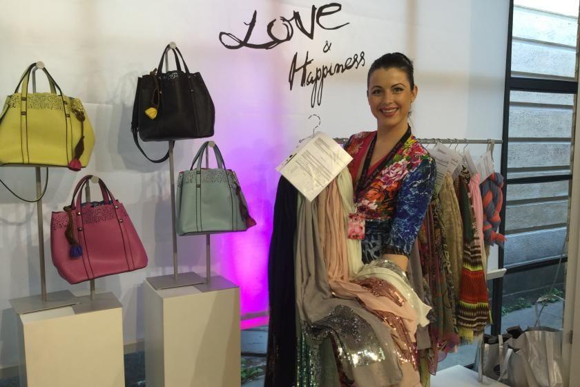 Taschen und Schals mit Pailetten aus der Love & Happiness Kollektion von Manou Lenz I PlusPerfekt.de