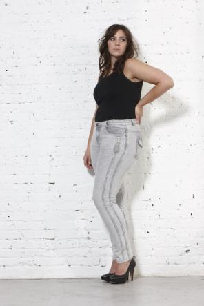 Jeans in Plus Size I Bild: ADIA