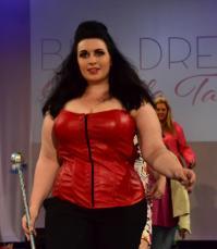 Curvy-Mode von Big Dress I Präsentiert von Sarah Stoll