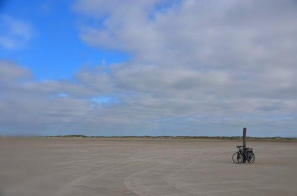 Zwei Räder am Strand ...