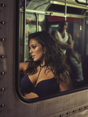 Dessous in XXL von Ashley Graham I Credits by Addition Elle