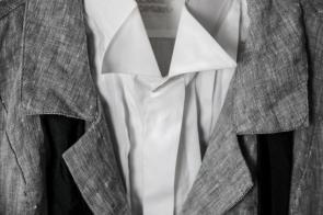 Detailaufnahme I Leinenjacke aus der Gudrun Sjöden Kollektion