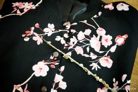 Blouson mit zartem Blütenprint - Blouson with delicate flower print