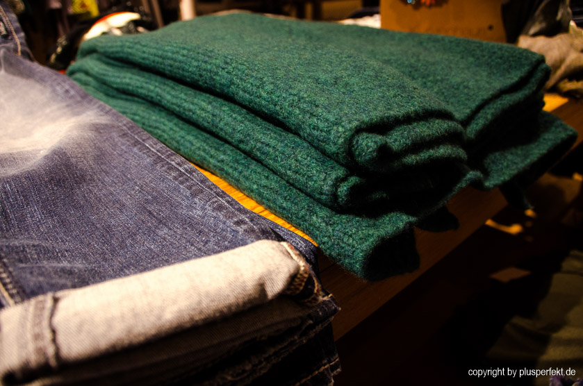 Jeans & Pullis in Übergröße I Bild: Plusperfekt.de