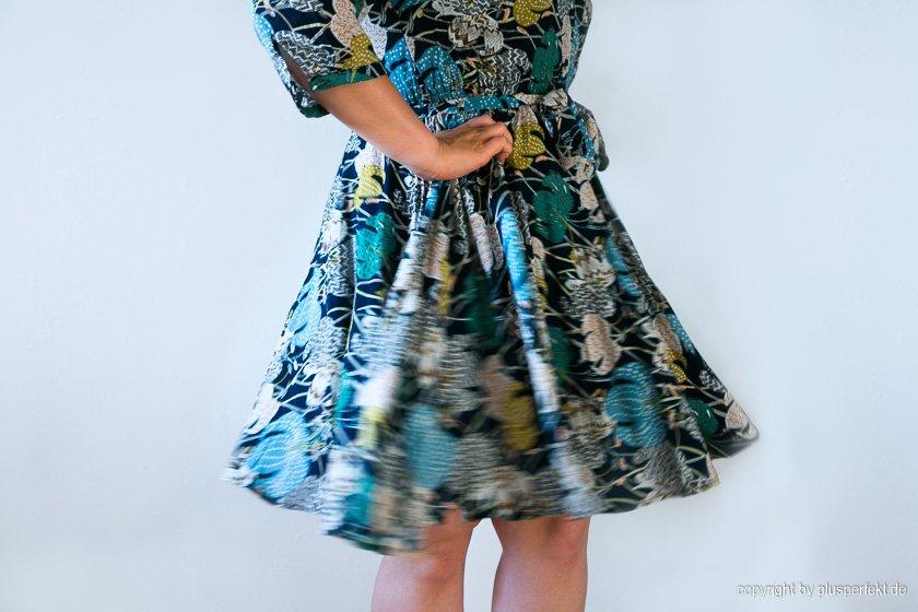 Sommerkleid für Curvys I Bild: PlusPerfekt