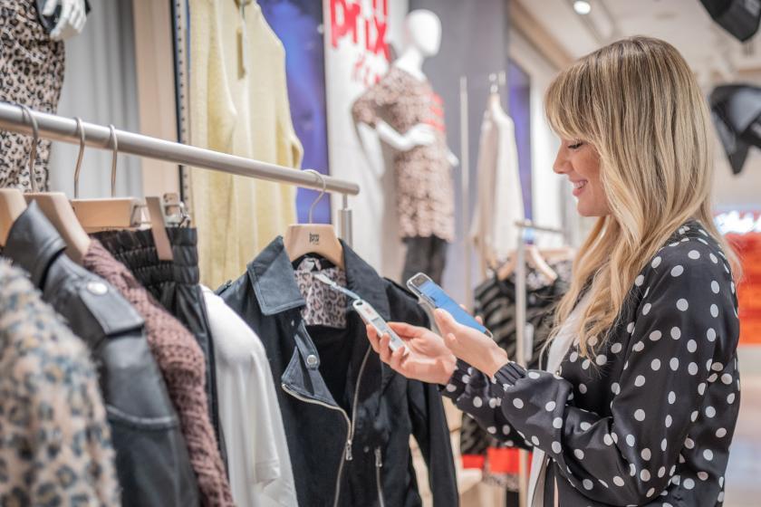Schöne neue Shopping-Welt? bonprix startet futuristischen Pilot Store