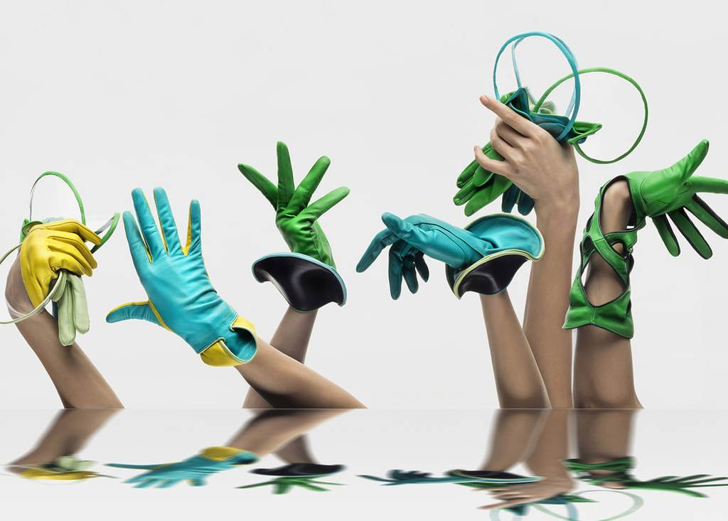Thomasine Barnekov Handschuhe der Kollektion Glove-Garden | Foto Benjamin Taguemount Orig