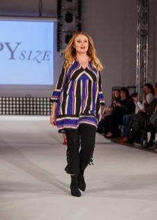 Model Katha Katharina auf dem Runway der Diversity Fashion Days | Credits: Anna Spindelndreier | #RunwayRevolution