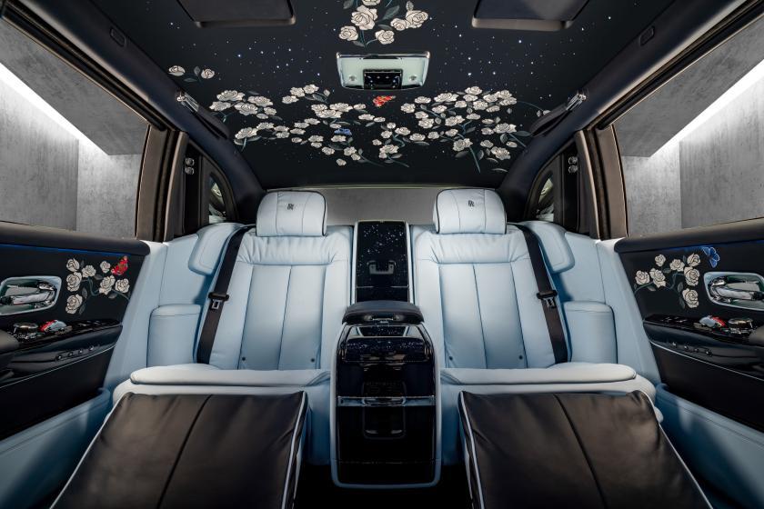Geschenkidee: Rosenranken im Rolls-Royce Phantom