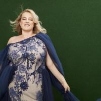 Sweet, Beauty, Lovely: Jeanne Paulin designt Couture Träume bis Größe 62