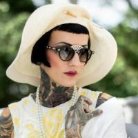 Einzigartig: Stil-Ikone Sarah Settgast designt im Stil der goldenen Zwanziger